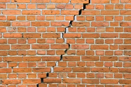 Crack wall subsidence